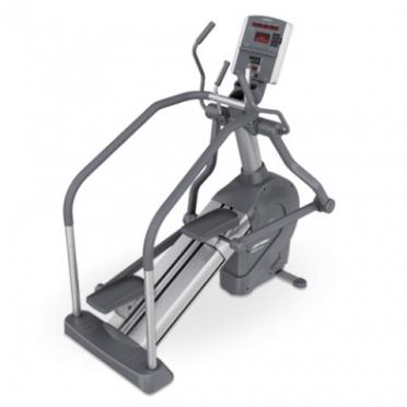 Life Fitness Summit Trainer 95Li gebruikt