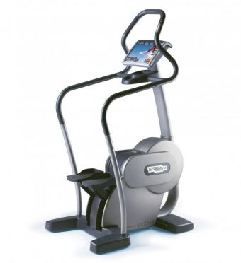 TechnoGym stepper Step Excite 700i.e classic zilver met LCD TV gebruikt